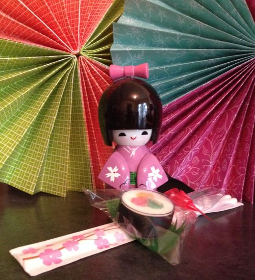 Kokeshi-party-sushi-favor